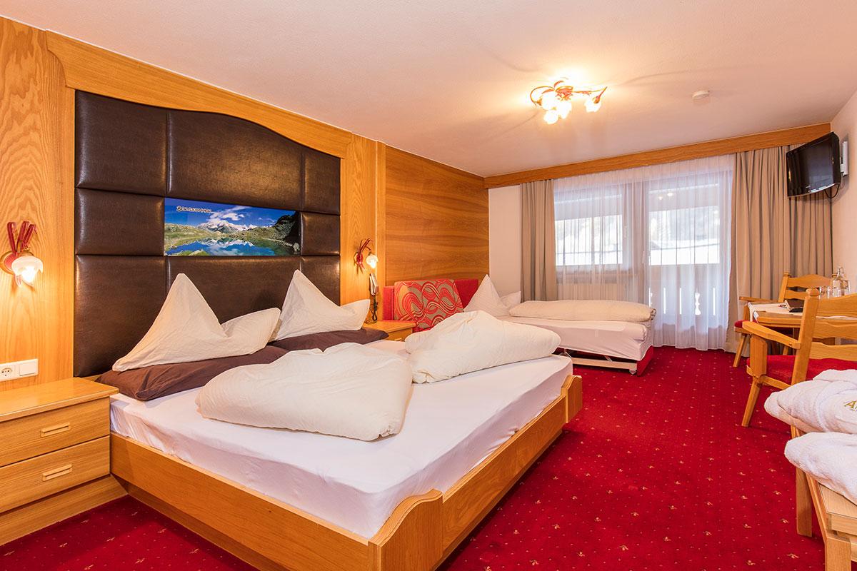 Hotel Alpenblick Huben Familienzimmer
