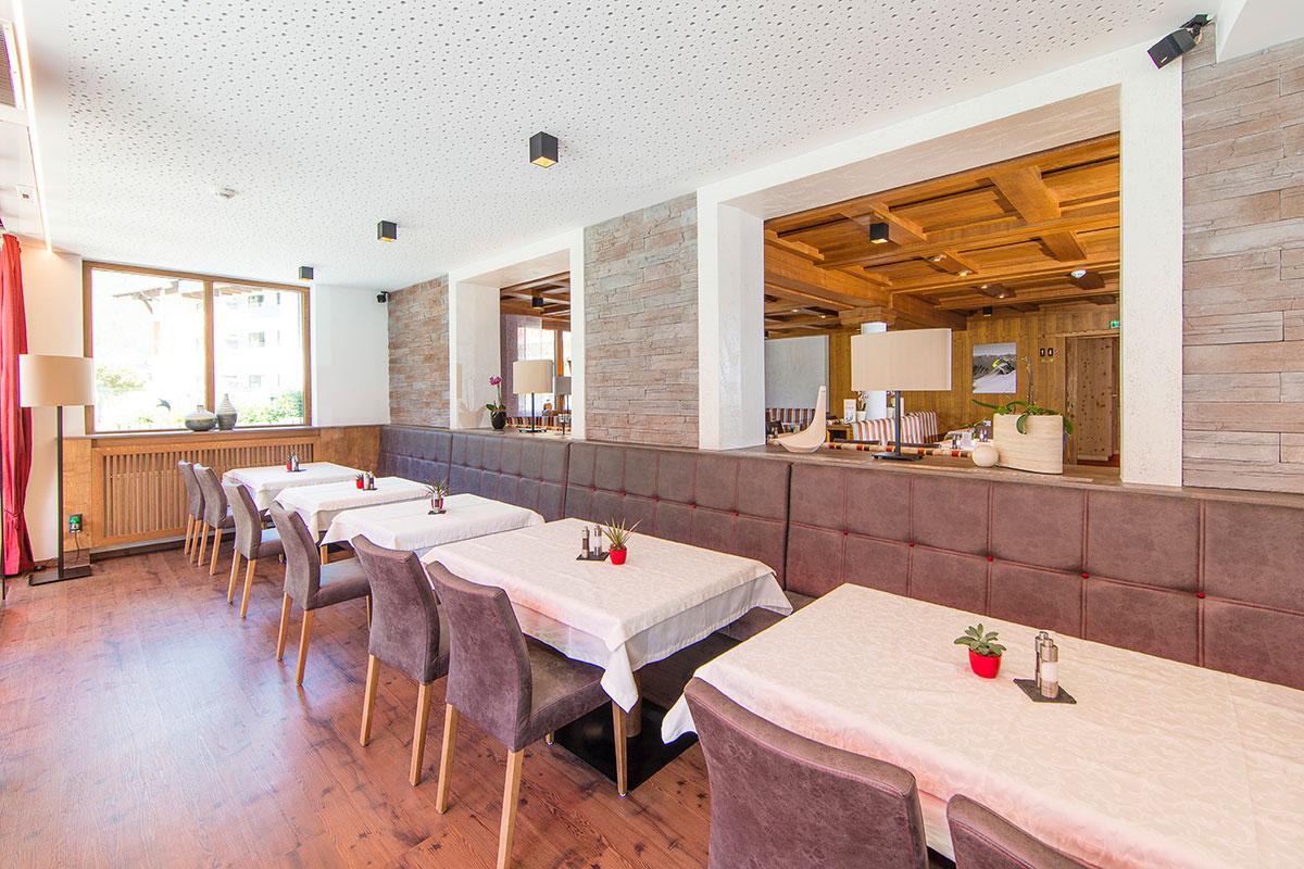 Hotel Alpenblick Wintergarten Huben in Längenfeld