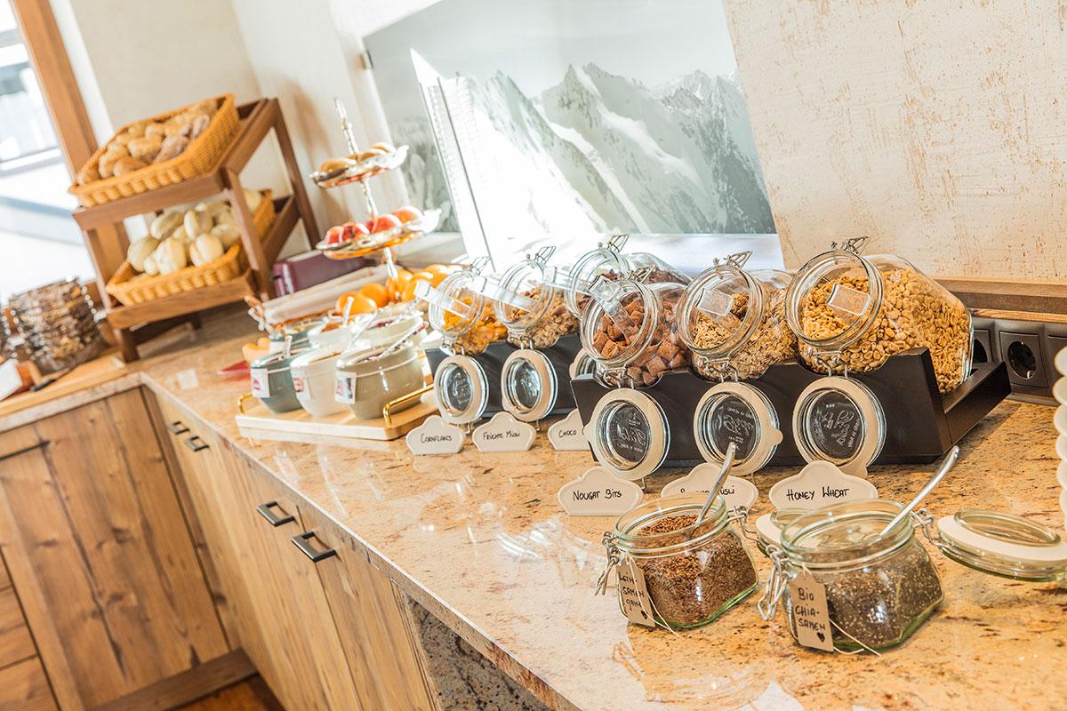 Hotel Alpenblick Huben Frühstücksbuffet