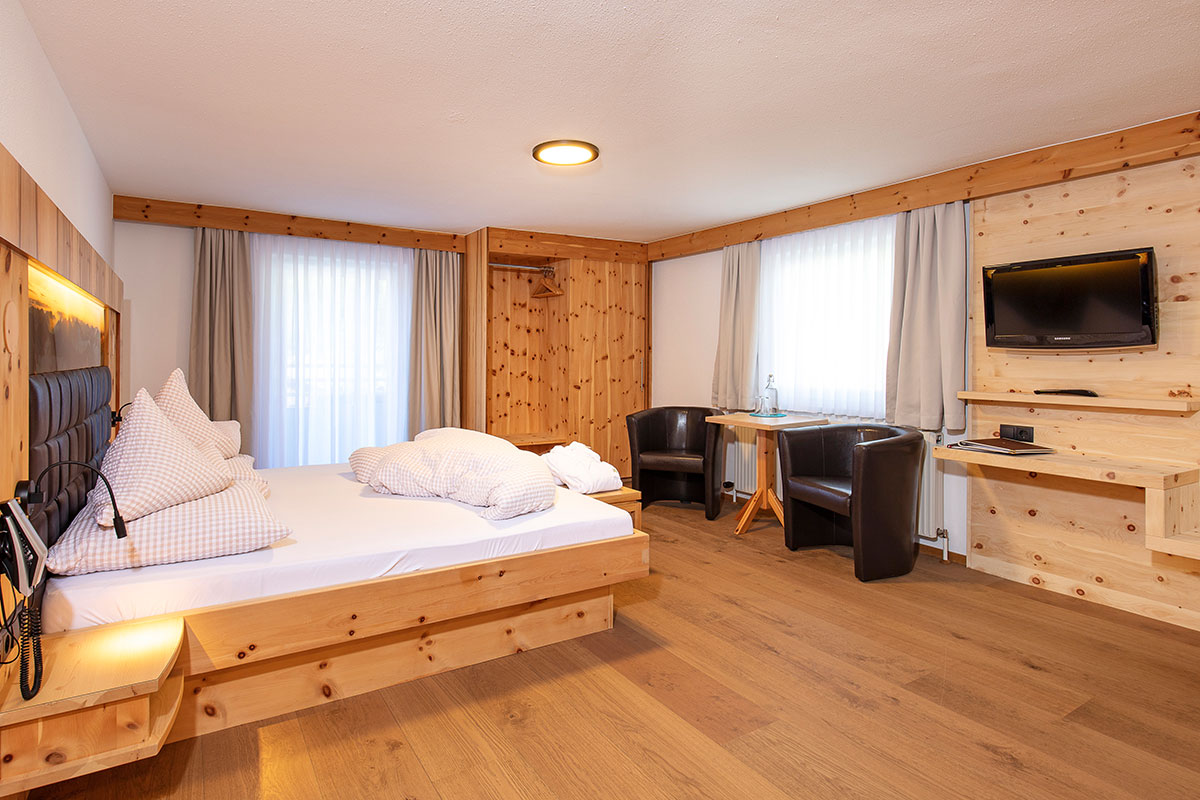 Hotel Alpenblick Suite in Huben